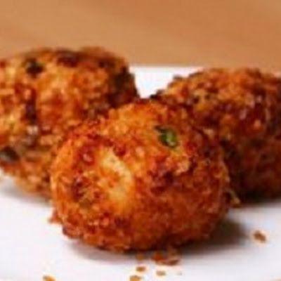 Cheesy Chicken Balls @keyingredient #cheese #chicken #cheesy