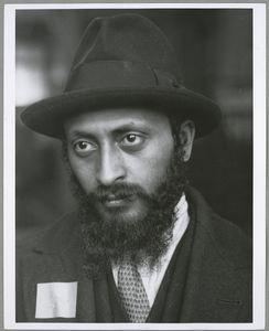 Jewish immigrant at Ellis Island, 1905, New York Public Library