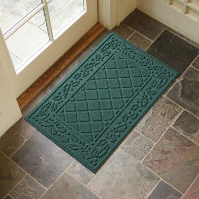 Alcott Hill Olivares Diamond Holly Outdoor Doormat Color: Evergreen