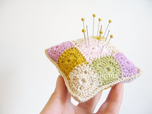 CUTE   PIN CUSHION, (no pattern but should be easy to duplicate)