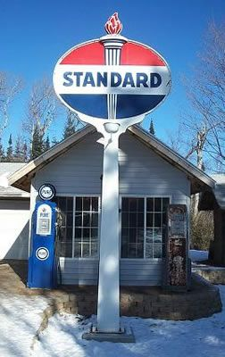 Standard sign and Wayne 60 gas pumps