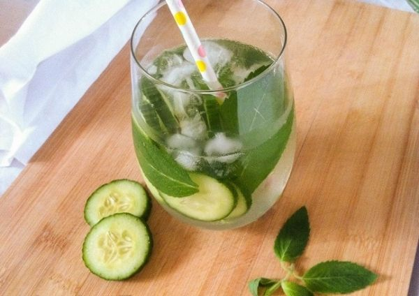 Adauga aceste doua ingrediente in apa si obtii o bautura care topeste grasimea si detoxifica organismul