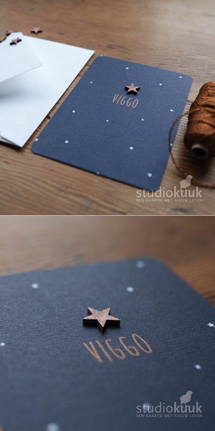 Geboortekaartje jongen_koperkleurige ster_witte sterretjes_donker blauw_rustig geboortekaartje#www.studiokuuk.nl