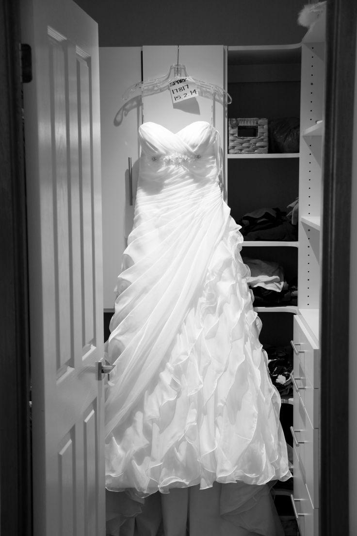 [ wedding photographer Sydney ] wedding dress  l  gown  l  bride