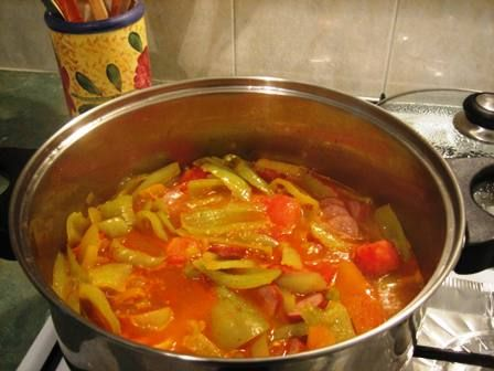 Lecsó (pr. le-tsho) – a perfect mix of paprika, tomato, sausages and onion. Easy fast and delicious Hungarian food.