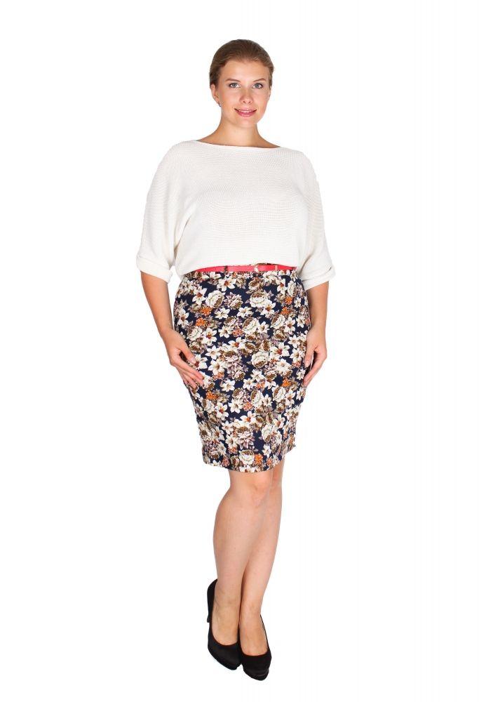 Цветочный принт на юбках - идеальное сочетание с базовыми вещами