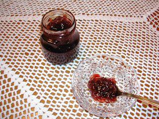 Σπιτικές Γεύσεις από τη Γιώτα: ROSA CENTIFOLIA  Γλυκό  του κουταλιού τριαντάφυλλο...