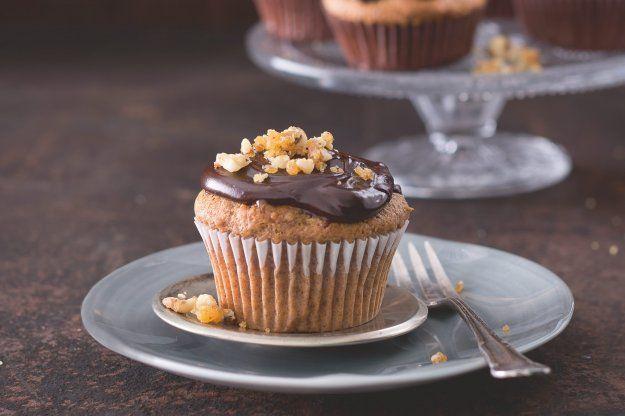 Datlové cupcaky s bourbonem & kandovanými ořechy