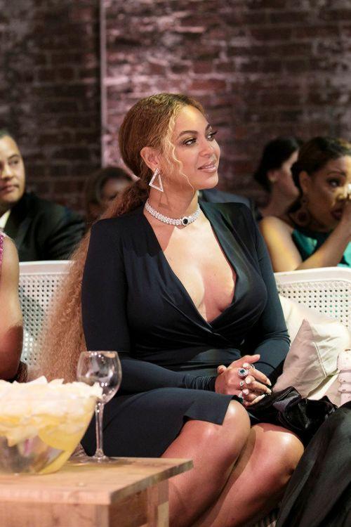 "jenniferlawurence: ""Beyoncé during Serena Williams wedding ceremony """