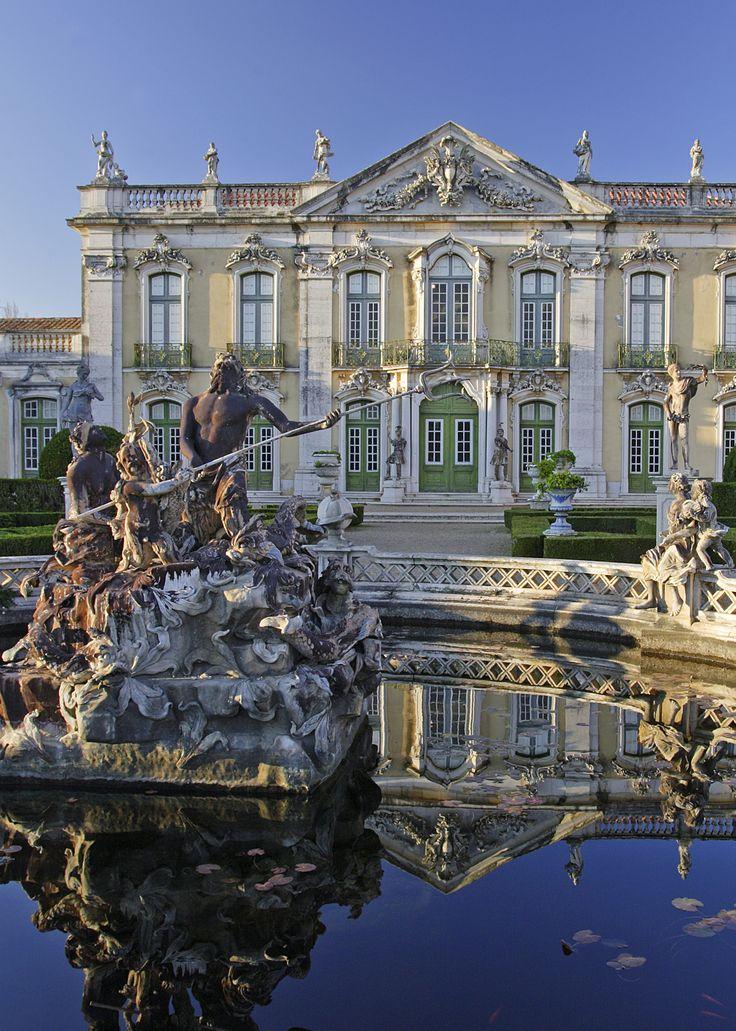 Detalhe do jardim do  Palácio Nacional de Queluz