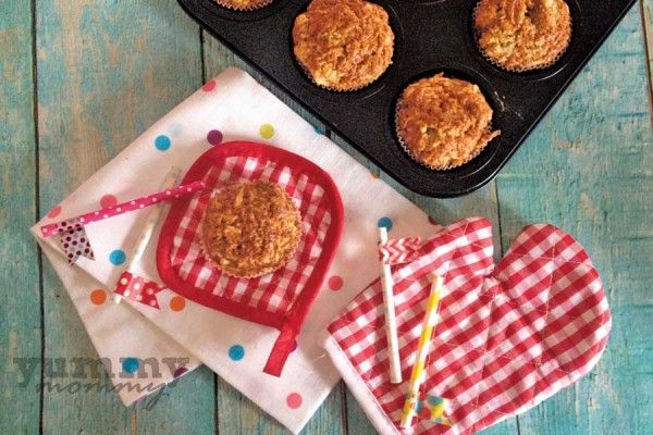 muffins with apple, olive oil and honey (Muffins μήλου με ελαιόλαδο και μέλι }