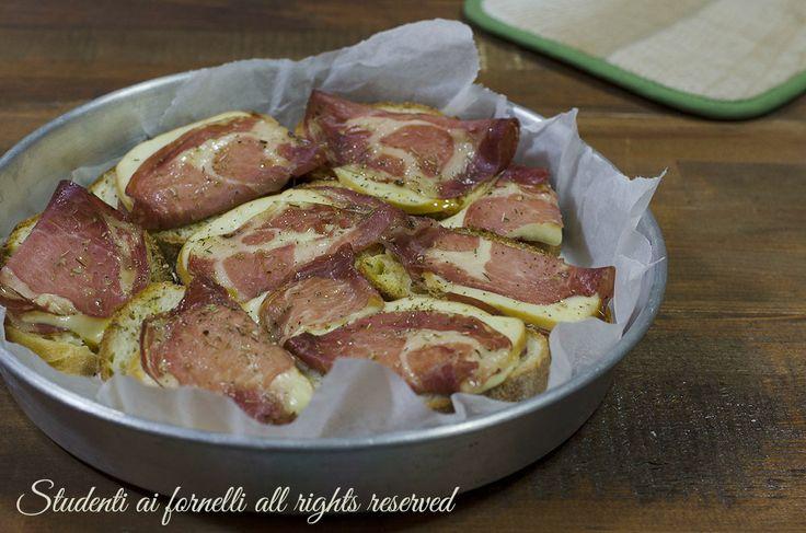 Torta di bruschette veloce al forno