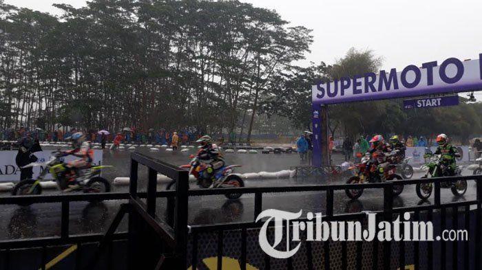 Indonesia Supermoto Championship 2017 di Malang Diguyur Hujan, Sirkuit Off Road Ditutup