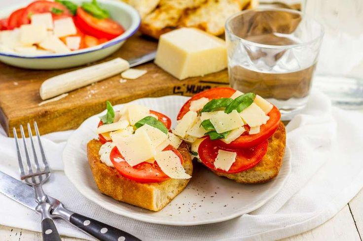 Toast met tomaat & Parmezaanse kaas