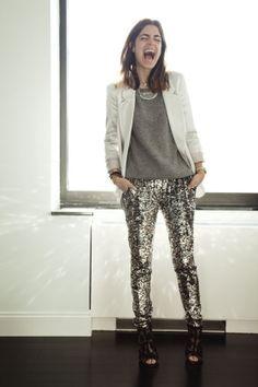 Silber Paillettenhose auch für tagsüber.