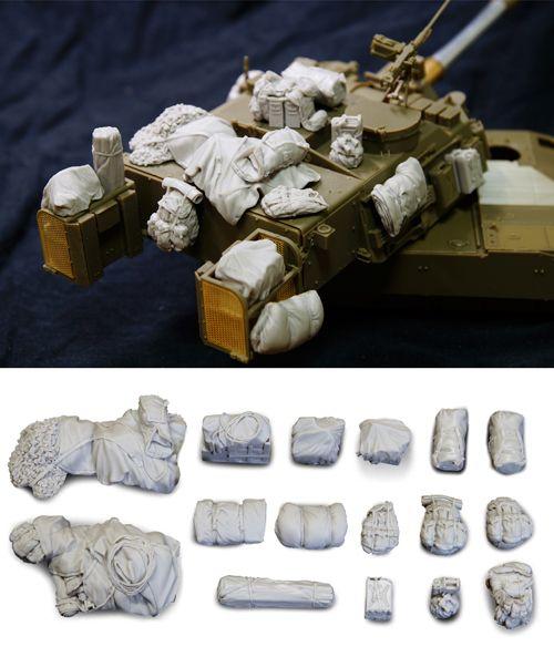 1/35 resincast model M109A6 Paladin Stowage Set