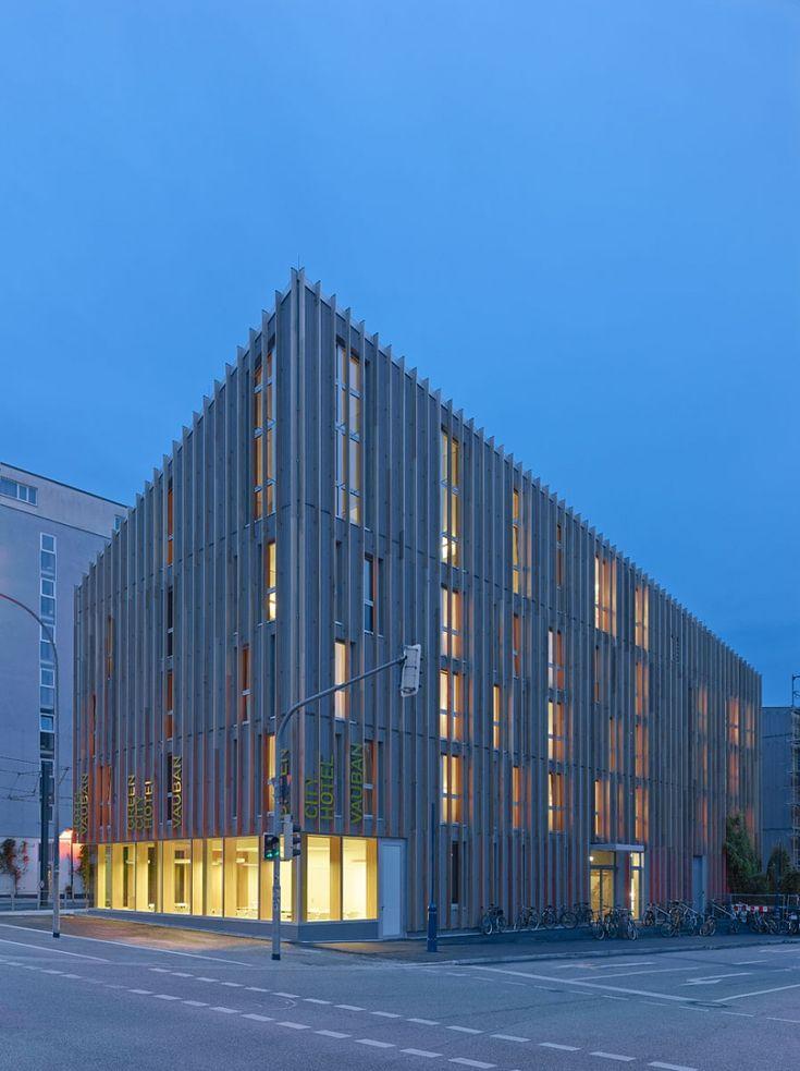 Stadthaus m1 green city hotel freiburg vauban barkow for Freiburg design hotel