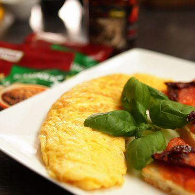 Doradca Smaku, odc. 31: Omlet francuski i tosty z pastą pomidorową - DoradcaSmaku.pl