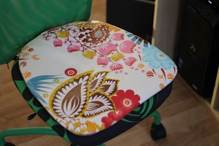 Tutorial: Office chair cushion with a removable  cover
