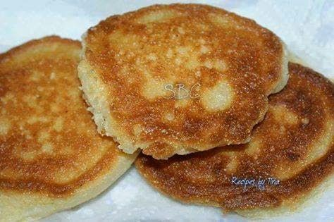 The Lazy Gourmet: Southern Fried Cornbread (hoe cake)- Ingredients: 2/3 cup cornmeal, 1/3 cup self rising flour, 2/3 cup low fat buttermilk, 1 large egg, oil for frying. (Note: Amount of liquid is incorrect on the website.)
