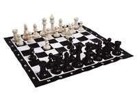Schaakbord - Schaken op een vierkant, nylontapijt van 90 x 90 cm. De pionnenhebben een hoogte van 10 tot 25 cm.