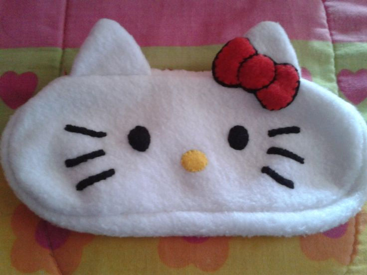 estuche  hello kitty de tela polar