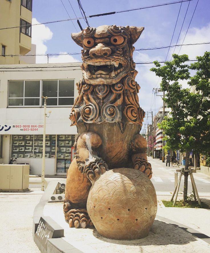 大き過ぎるシーサ by cocoannne
