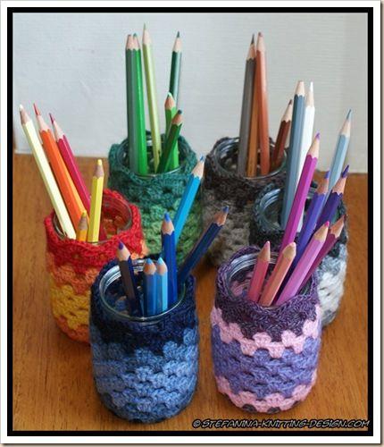 Cover jars with granny crochet - cute!! #tutorial #crochet