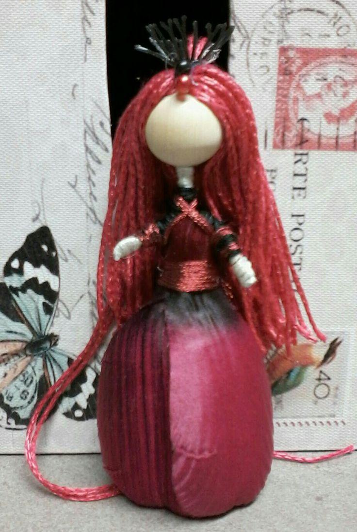 Mini wire doll