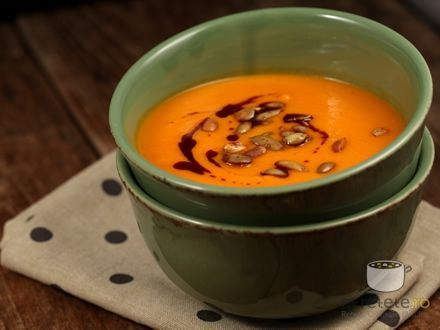 Supa crema de dovleac si rosii