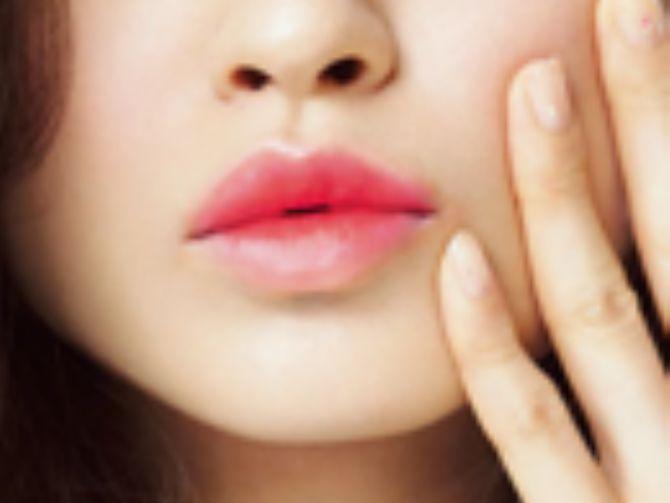 2015年大ヒットしたリップブームもいよいよ第二次へ。2016年、新たな流行になりそうなグラデーションリップは、おフェロやイガリメイクにもぴったりな、うるうる唇で、可愛く柔らかい印象の唇に導きます♡