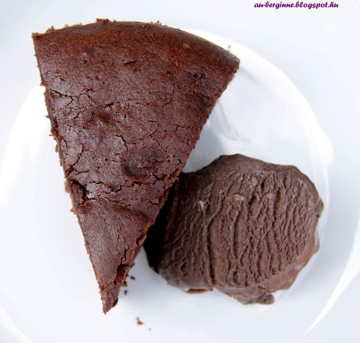 Sacher cake with a little treat / Addiktív csokitorta
