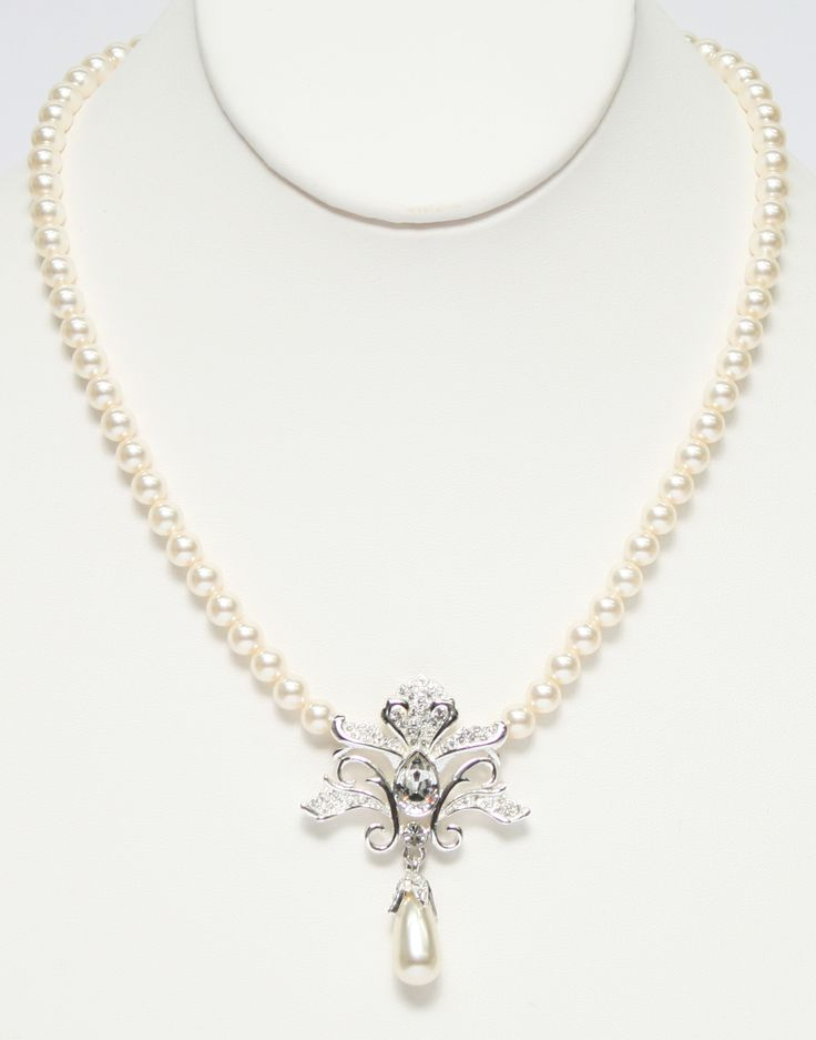 Matching Vintage style necklace MADE WITH SWAROVSKI ELEMENTS. 601009-N