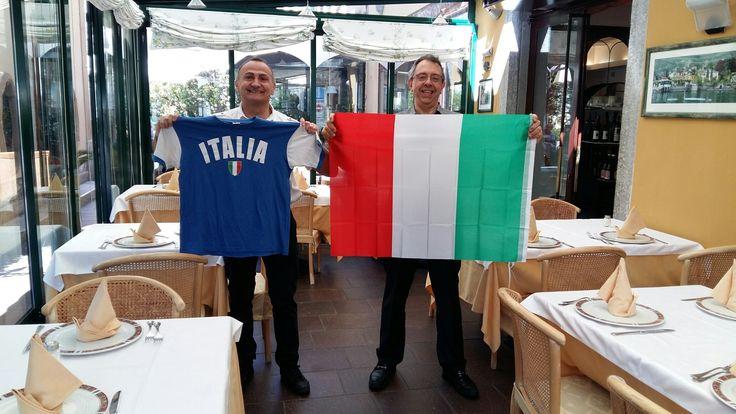 Visto che la nostra foto ha portato fortuna ci riproviamo anche oggi ;-) Forza Nazionale Italiana di Calcio siamo con Voi  !!  Vi aspettiamo al #LoungebarCafeBellini alle 15.00 per vedere la partita insieme  #LagodiComo #italiasvezia  bit.ly/HotelPostaMoltrasioIT