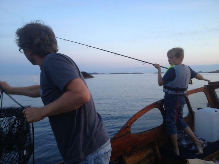 Ny-Hellesund byr på mange flotte fisketurer og mulighet for å fange krabber / There is lots of opportunities to catc fish and crabs in Ny-Hellesund.