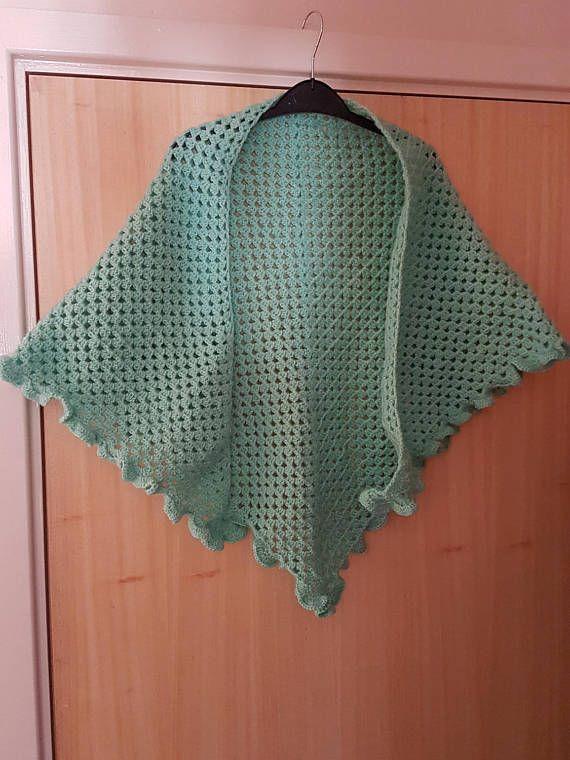 Mint green girls shawl / shawlette for adults festival look