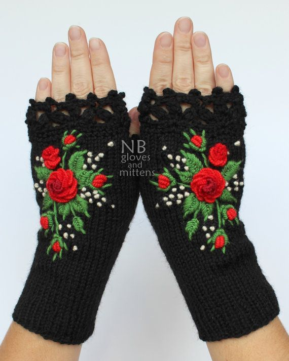 Knitted Fingerless Gloves Black Red Green by nbGlovesAndMittens