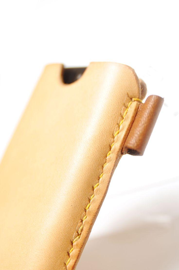 Produktet Læder Etui /sleeve til iPhone 5-7 sælges af iHide i din Tictail-shop.  Tictail lader dig skabe en smuk online shop gratis - tictail.com