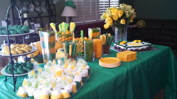 Kelsey's Baylor Themed 18th Birthday Party // Also works for a tailgate, baby shower, etc.: Bu Parties, Baylor Birthday, 18Th Birthday Party, Gold Birthday Parties, Baylor Parties, 18Th Birthday Parties, Football Birthday, Baby Shower, Adrienne Baby