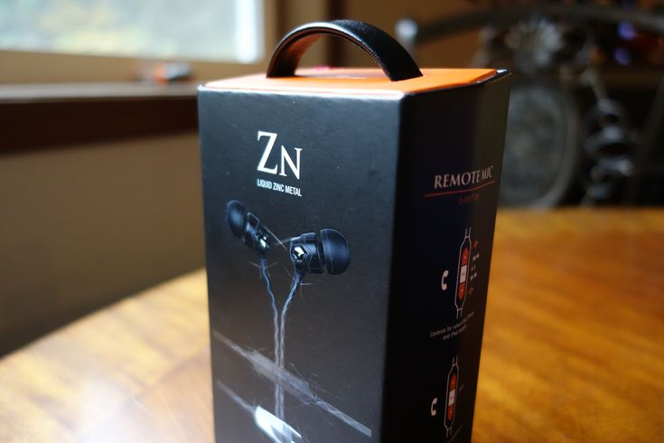 V-Moda Zn in-ear headphones review: Zinc metal shows its beauty inside and out - https://www.aivanet.com/2015/11/v-moda-zn-in-ear-headphones-review-zinc-metal-shows-its-beauty-inside-and-out/