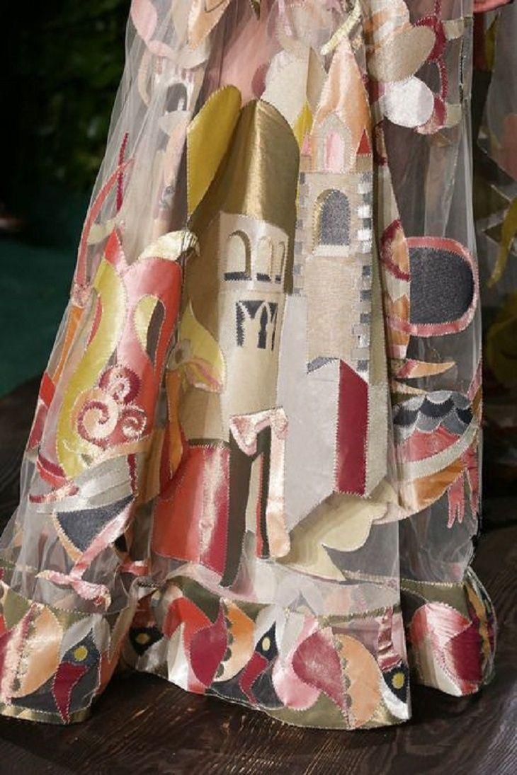 Сказочное платье с аппликацией от Valentino / Дизайнеры /