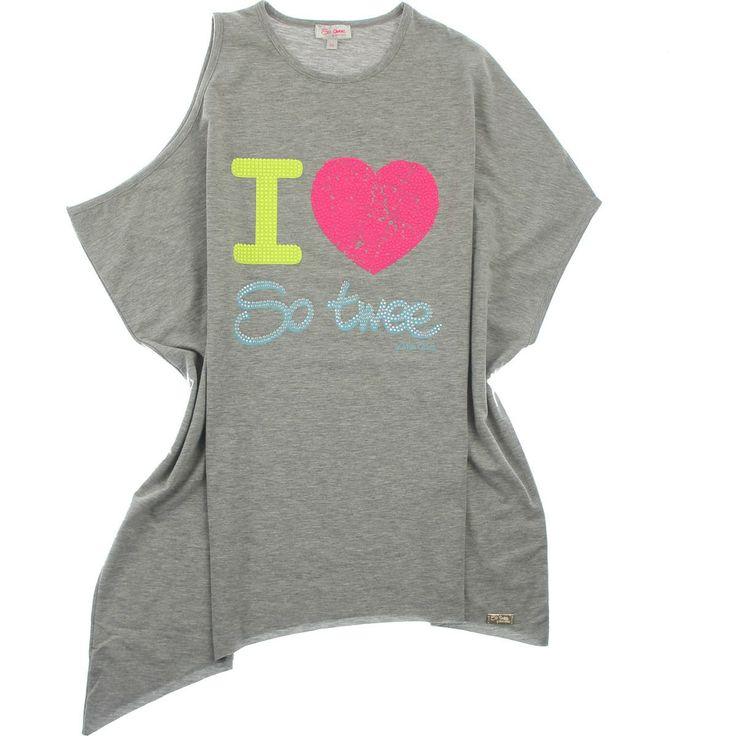 T-SHIRT SO TWEE BY MISS GRANT,  T-Shirt da bambina e da ragazza di So Twee By Miss Grant in tinta unita di colore grigio con taglio asimmetrico, jersey, girocollo, senza maniche, stampa frontale con micro borchiette colorate, targhetta dorata. http://www.abbigliamento-bambini.eu/compra/t-shirt-jersey-so-twee-by-miss-grant-2973475