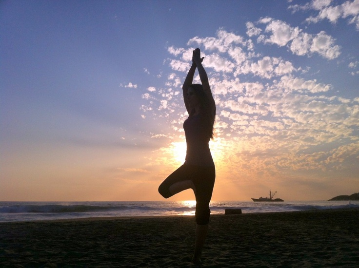 Yoga on the beach in Puerto Escondido | Penniless and Free
