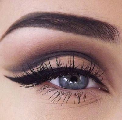 seductive eyes, sexy eye makeup, vintage cateye, cat eyes, fling, eyeliner, perfect eyeliner, double lid, contouring, black eyeliner