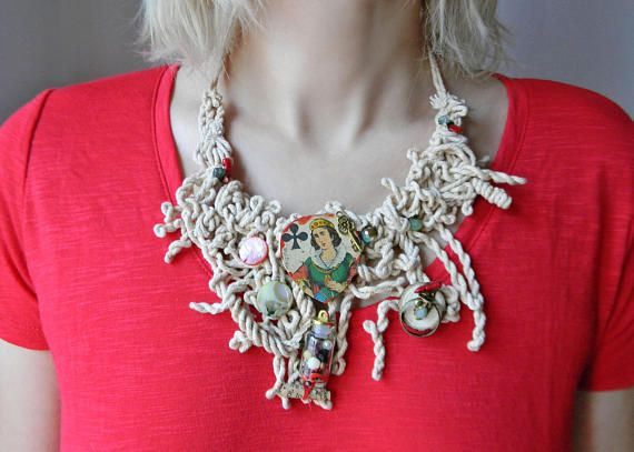 Cotton rope necklace with queen of clubs shell beads coral