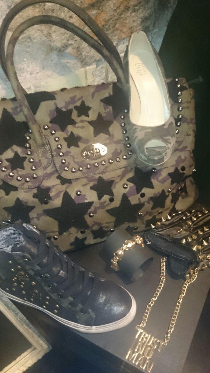 Tantissime idee per creare fantastici outfit!  #Roma #fashion #shopping #outfit #scarpe