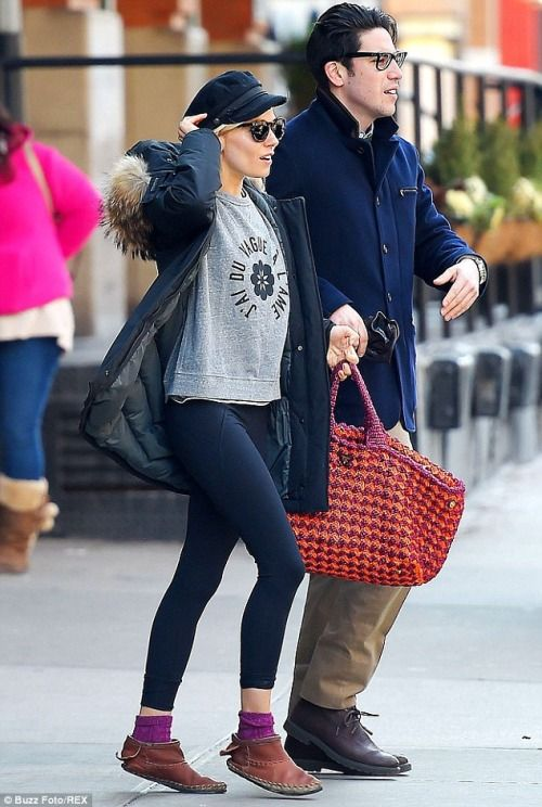 elizabethswardrobe:  Sienna Miller in New York.