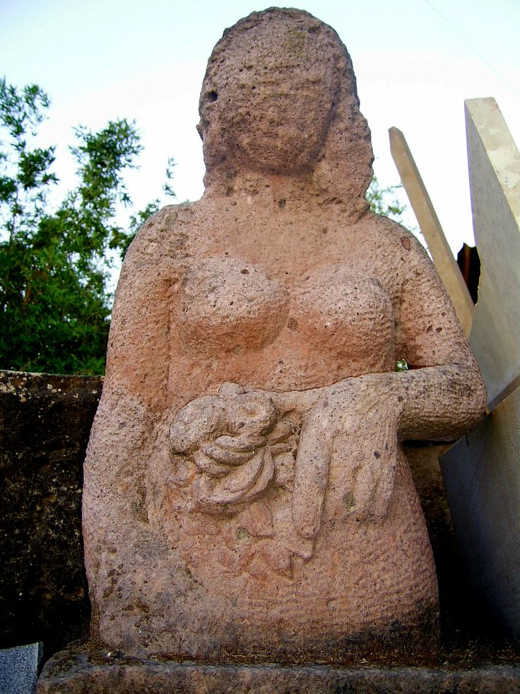 Scultura in pietra - Stone sculpture