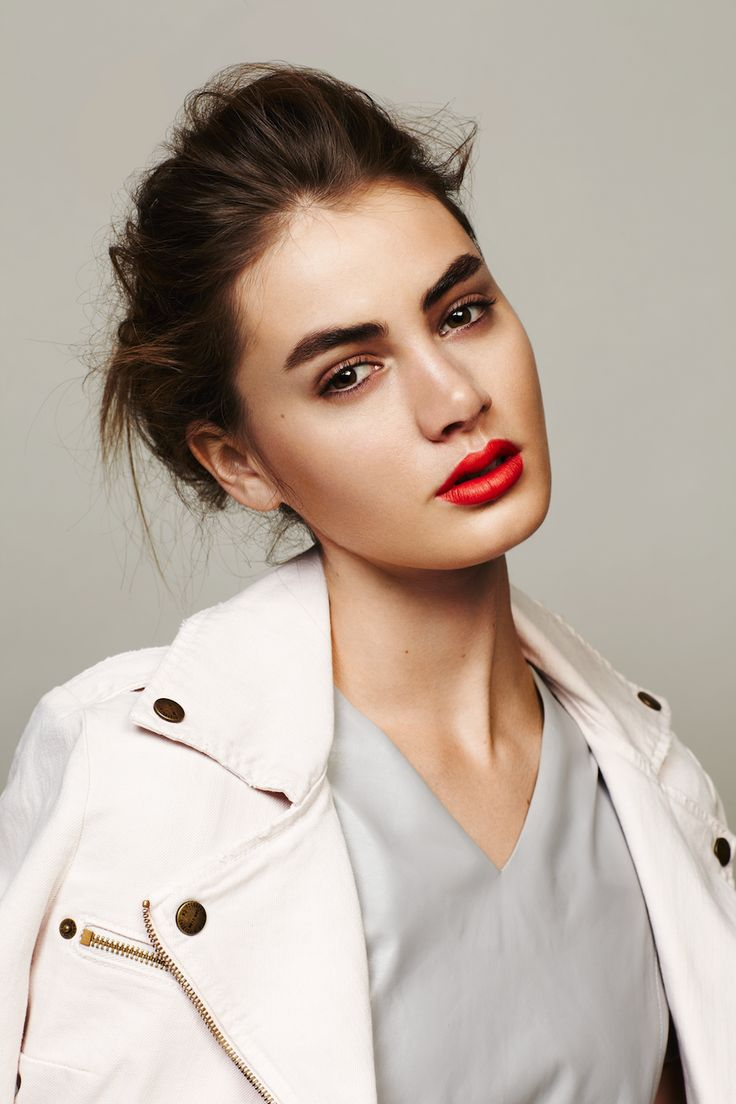Red-lip-clear-skin-beauty-whites-messy-hair-andrew-stinson-3-14