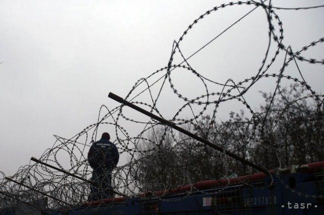 Pätnásť slovenských policajtov odišlo do Srbska chrániť hranicu - Slovensko - TERAZ.sk